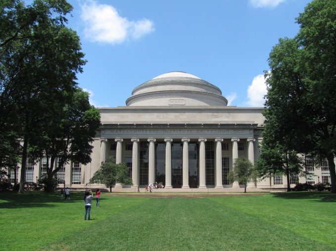 mit_building_10_and_the_great_dome_cambridge_ma